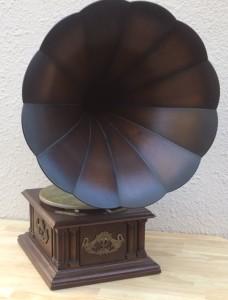 ラッパ型蓄音器