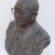 ブロンズ(青銅)で作られた個人の胸像