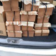 荷台に積まれた茶道具