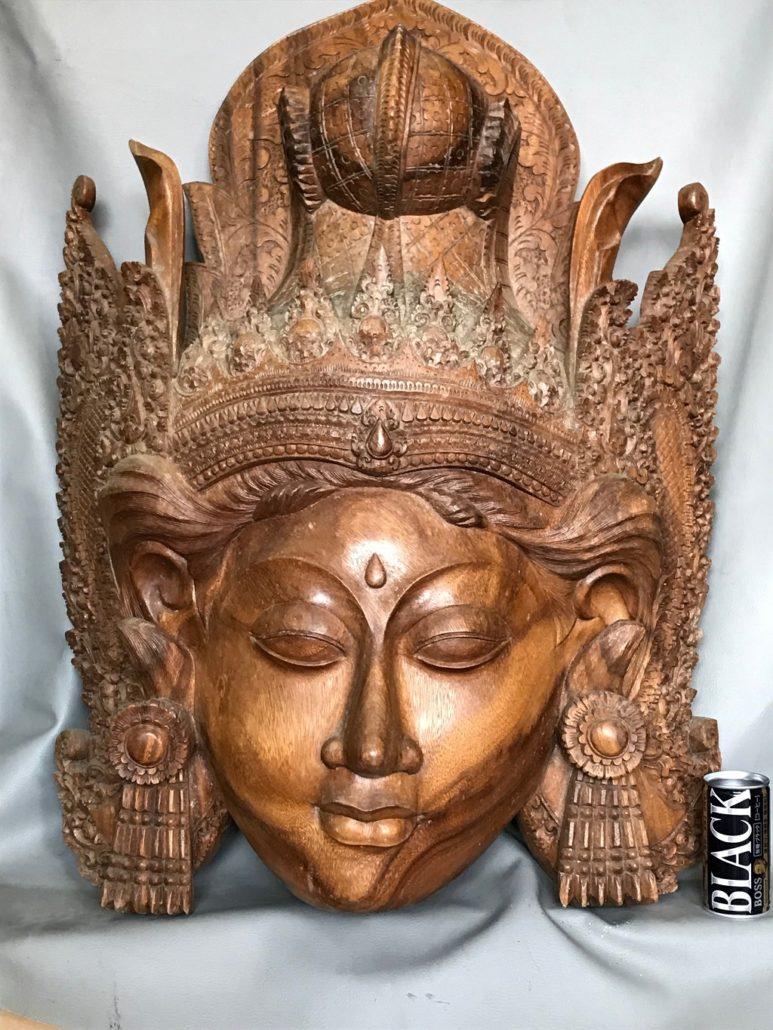 東南アジア風の彫刻