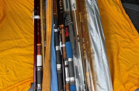 古い釣り竿やリールなど釣道具